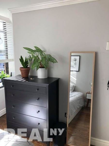 2 Bedrooms, East Village Rental in NYC for $3,960 - Photo 2