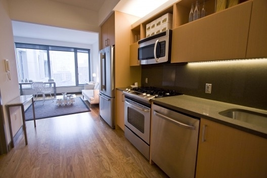 2 Bedrooms, Financial District Rental in NYC for $6,462 - Photo 2