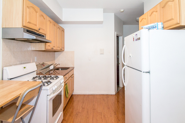2 Bedrooms, Greenpoint Rental in NYC for $2,645 - Photo 1