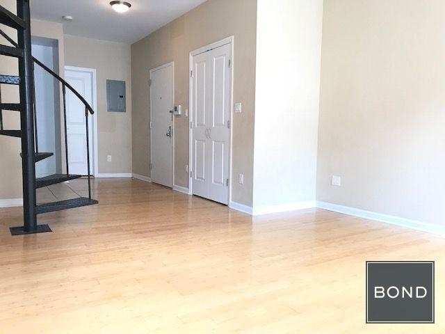 1 Bedroom, Upper East Side Rental in NYC for $3,249 - Photo 2