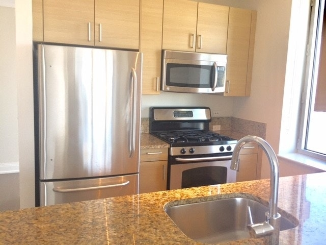 2 Bedrooms, Chelsea Rental in NYC for $3,900 - Photo 2