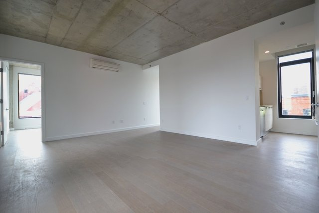 2 Bedrooms, East Williamsburg Rental in NYC for $3,550 - Photo 1