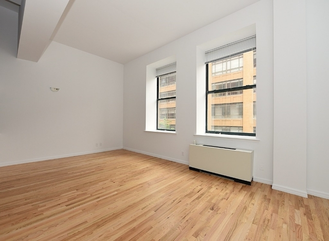 3 Bedrooms, East Village Rental in NYC for $4,427 - Photo 2
