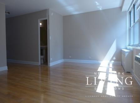 2 Bedrooms, Tribeca Rental in NYC for $4,700 - Photo 2