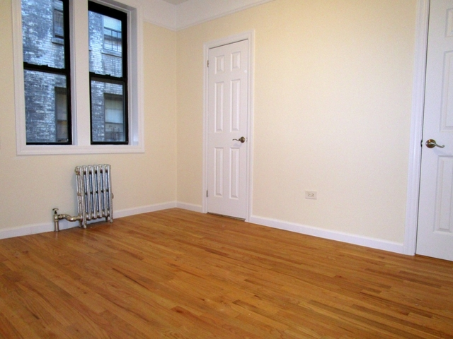 1 Bedroom, Hell's Kitchen Rental in NYC for $2,700 - Photo 2