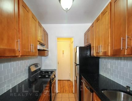 2 Bedrooms, Flushing Rental in NYC for $2,550 - Photo 2