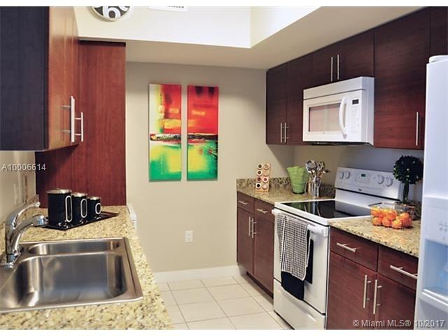 2 Bedrooms, East Little Havana Rental in Miami, FL for $2,600 - Photo 2