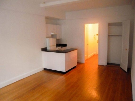1 Bedroom, Turtle Bay Rental in NYC for $3,125 - Photo 2