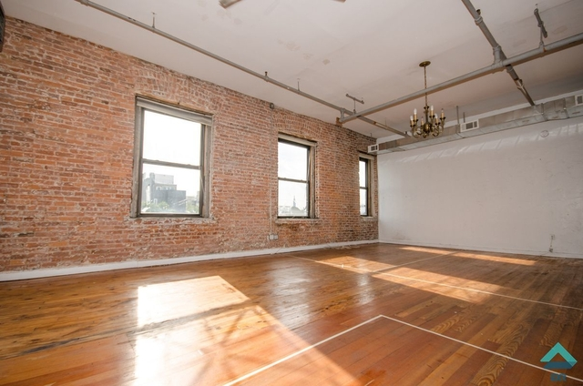 Studio, Greenpoint Rental in NYC for $4,999 - Photo 1