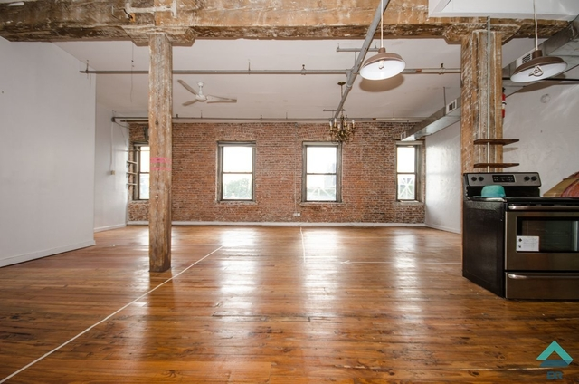 Studio, Greenpoint Rental in NYC for $4,999 - Photo 2
