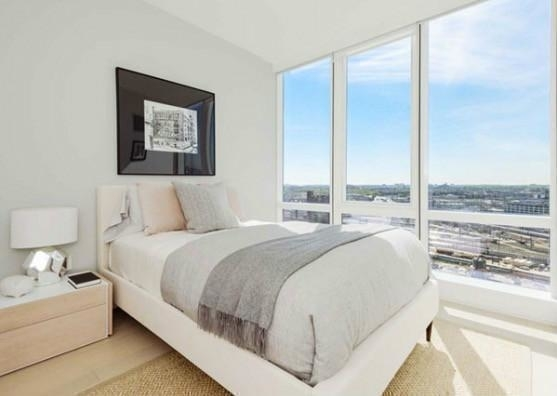 2 Bedrooms, Long Island City Rental in NYC for $3,995 - Photo 2