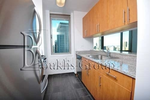 2 Bedrooms, Financial District Rental in NYC for $4,400 - Photo 2