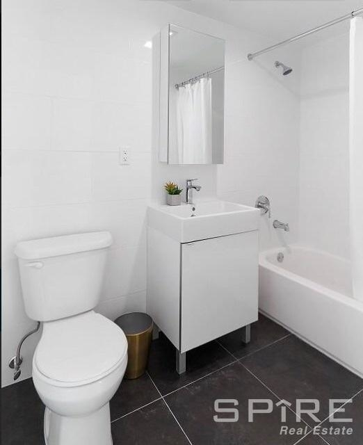 Studio, Long Island City Rental in NYC for $2,307 - Photo 2