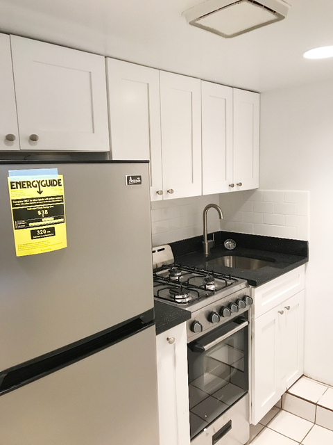 1 Bedroom, South Slope Rental in NYC for $1,975 - Photo 2