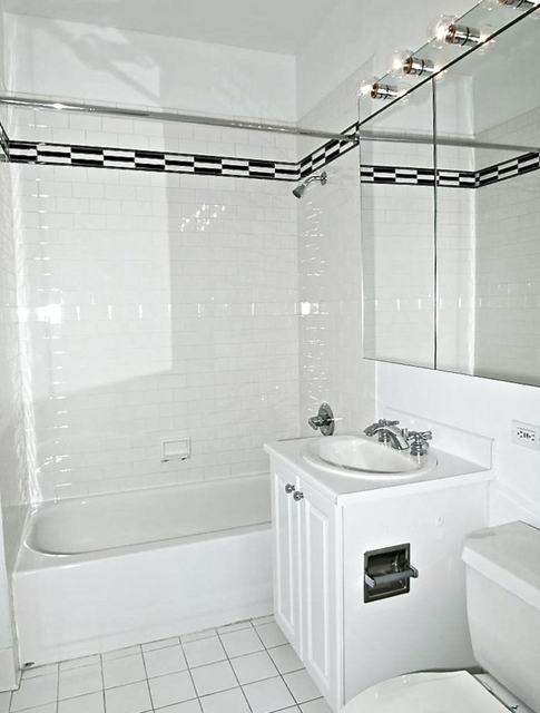 2 Bedrooms, Financial District Rental in NYC for $4,000 - Photo 2