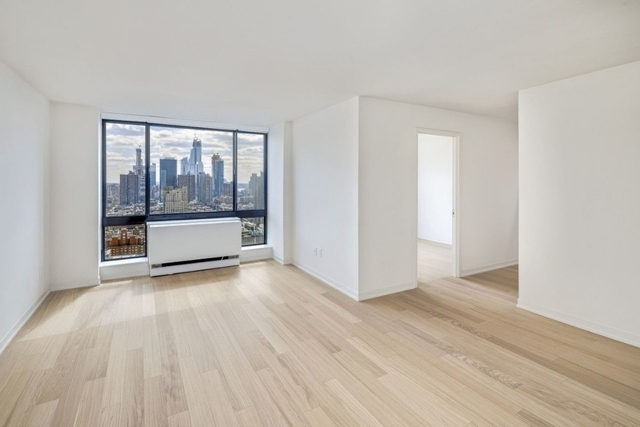 1 Bedroom, Hell's Kitchen Rental in NYC for $4,583 - Photo 2