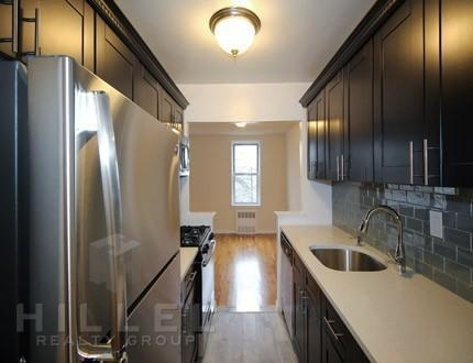 1 Bedroom, Jackson Heights Rental in NYC for $1,915 - Photo 2