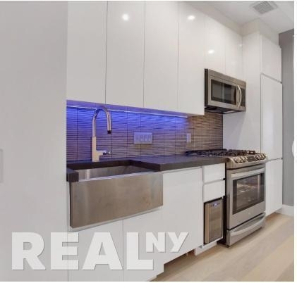 3 Bedrooms, Lower East Side Rental in NYC for $6,395 - Photo 2