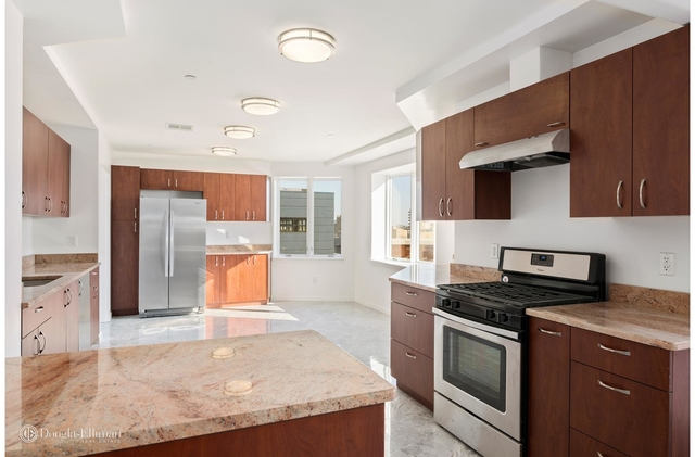 5 Bedrooms, Brighton Beach Rental In NYC For $7,000   Photo 1 ...