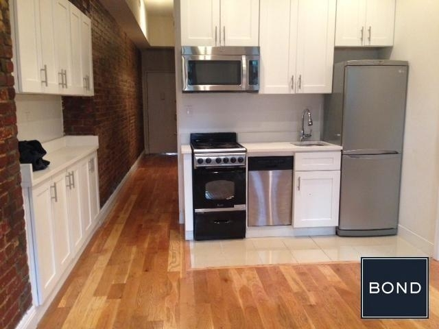 2 Bedrooms, Little Italy Rental in NYC for $4,495 - Photo 2