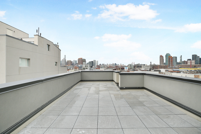 2 Bedrooms, Greenpoint Rental in NYC for $3,965 - Photo 2