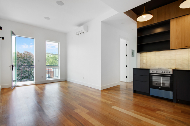 1 Bedroom, Greenpoint Rental in NYC for $3,114 - Photo 2