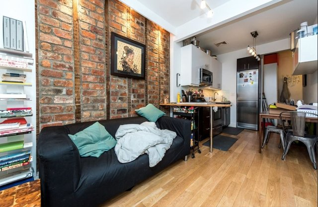 2 Bedrooms, Greenpoint Rental in NYC for $2,595 - Photo 2