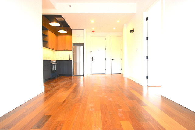 3 Bedrooms, Greenpoint Rental in NYC for $4,475 - Photo 2