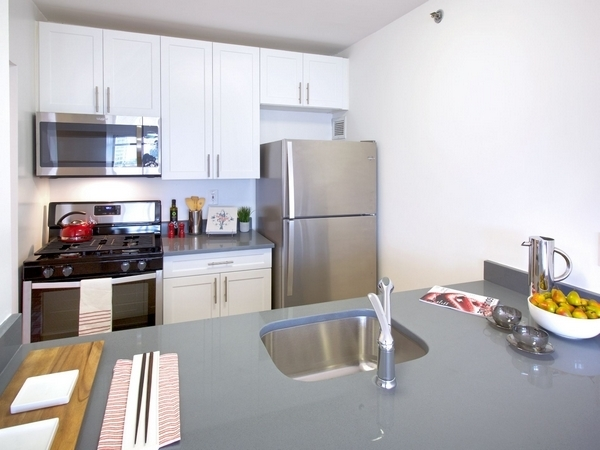 2 Bedrooms, Newport Rental in NYC for $3,680 - Photo 1