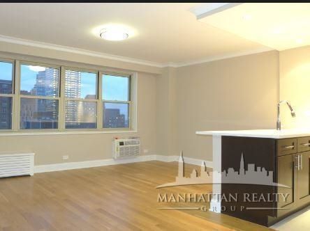 4 Bedrooms, Tribeca Rental in NYC for $6,175 - Photo 2