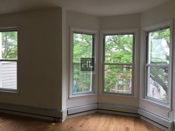 2 Bedrooms, Sunset Park Rental in NYC for $2,700 - Photo 2