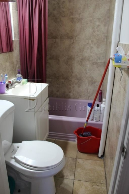 2 Bedrooms, Jackson Heights Rental in NYC for $1,600 - Photo 2