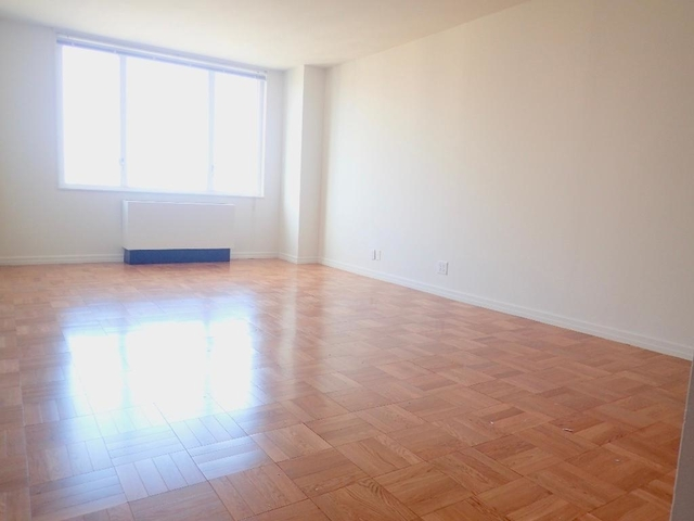 1 Bedroom, Yorkville Rental in NYC for $3,401 - Photo 2