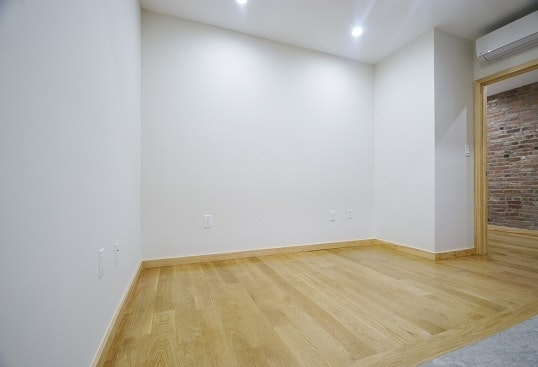 2 Bedrooms, Little Italy Rental in NYC for $2,695 - Photo 2