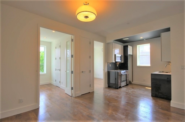 2 Bedrooms, SoHo Rental in NYC for $3,300 - Photo 2