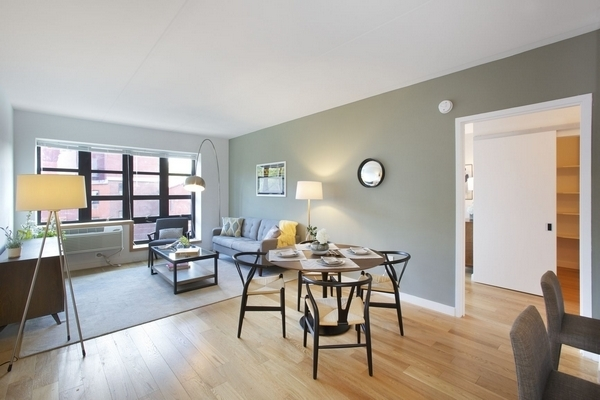 3 Bedrooms, Historic Downtown Rental in NYC for $4,175 - Photo 1