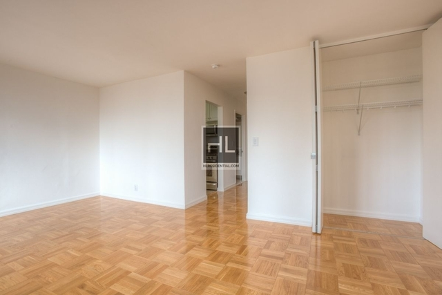 Studio, Theater District Rental in NYC for $2,925 - Photo 2