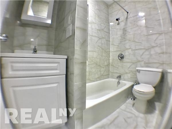 2 Bedrooms, Little Italy Rental in NYC for $3,000 - Photo 2