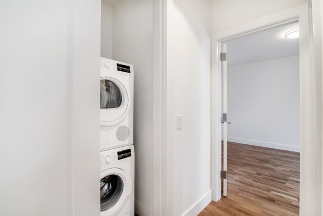 1 Bedroom, South Slope Rental in NYC for $4,000 - Photo 2