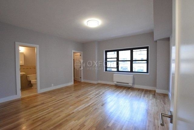 4 Bedrooms, Turtle Bay Rental in NYC for $6,800 - Photo 2
