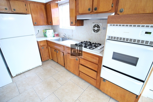 2 Bedrooms, Woodside Rental in NYC for $2,100 - Photo 2