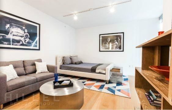 Studio, DUMBO Rental in NYC for $2,949 - Photo 2