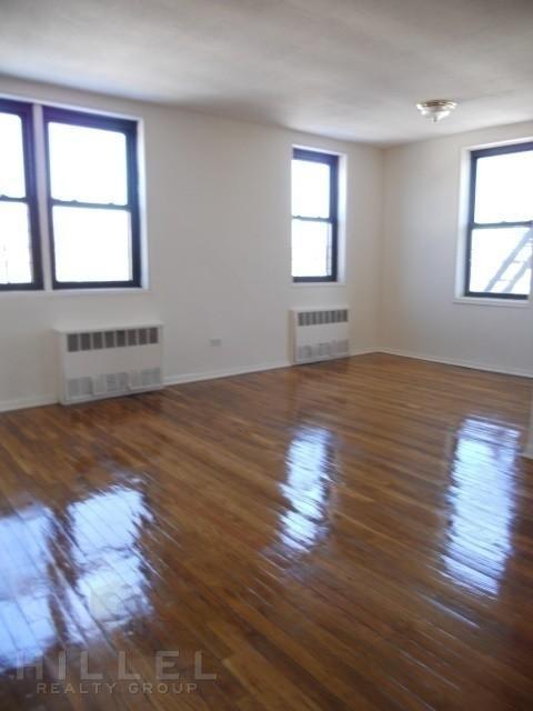2 Bedrooms, Kew Gardens Rental in NYC for $2,200 - Photo 1