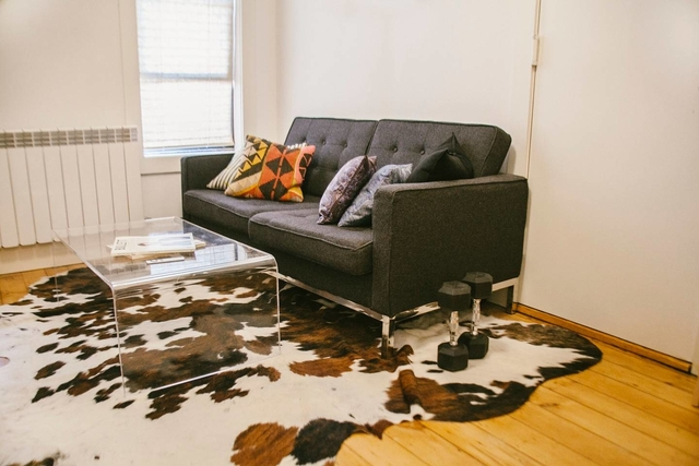 2 Bedrooms, Greenpoint Rental in NYC for $2,595 - Photo 1