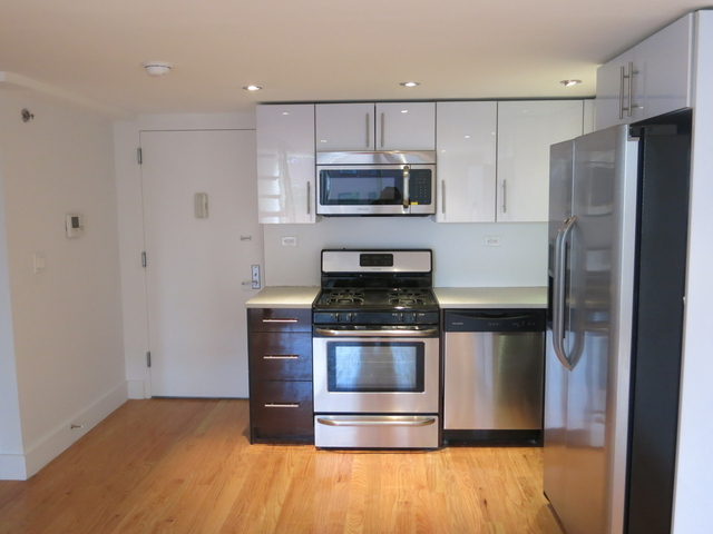 6 Bedrooms, Greenpoint Rental in NYC for $6,500 - Photo 1
