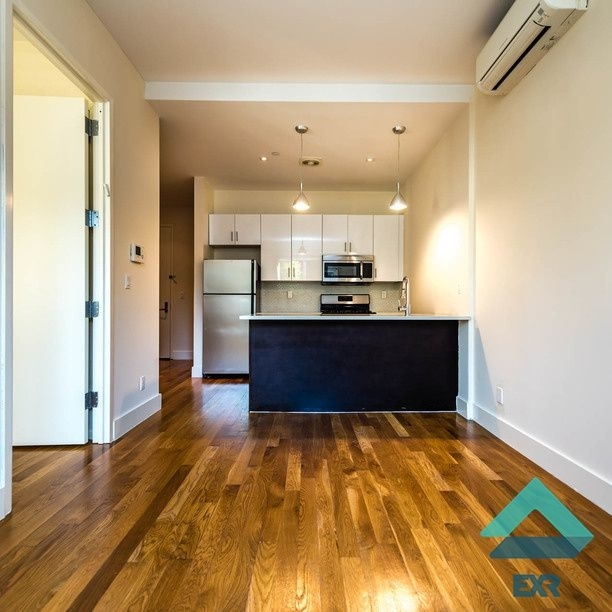 2 Bedrooms, East Williamsburg Rental in NYC for $3,499 - Photo 1