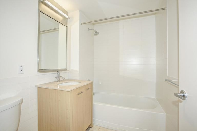 3 Bedrooms, Tribeca Rental in NYC for $9,350 - Photo 2