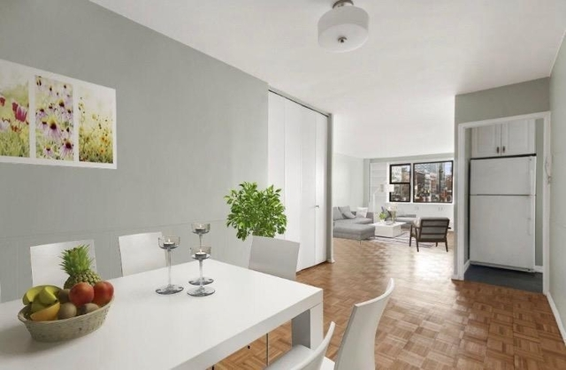 3 Bedrooms, Gramercy Park Rental in NYC for $5,800 - Photo 2