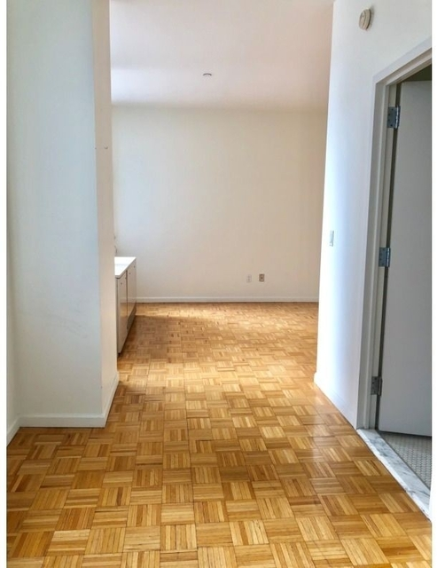 1 Bedroom, Financial District Rental in NYC for $3,375 - Photo 2