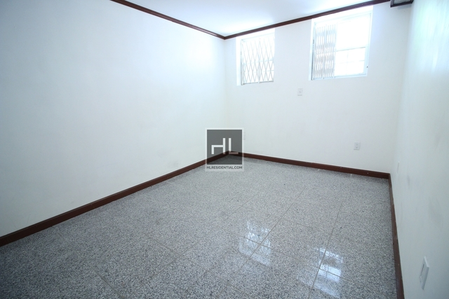 1 Bedroom, Woodside Rental in NYC for $1,600 - Photo 2